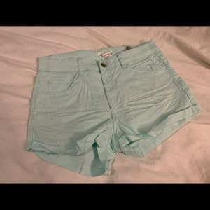 H&M shorts in three different colors EUC